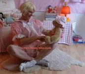 Getting acquainted with Teddy - AB Nursery, London UK